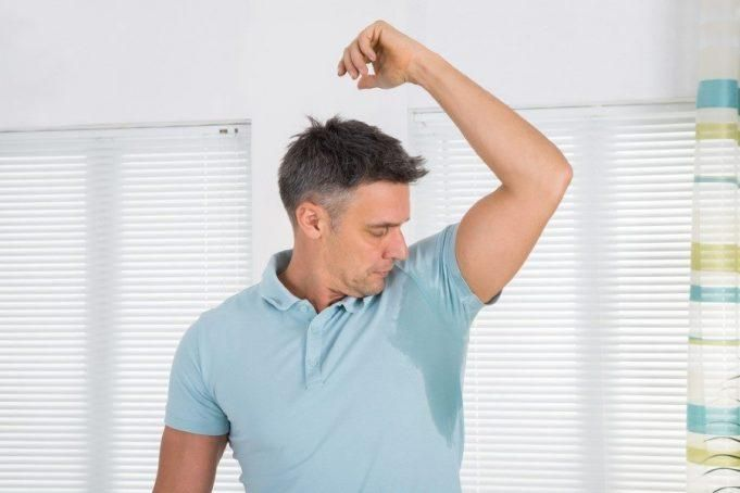 Почему мужчина сильно потеет ночью во сне