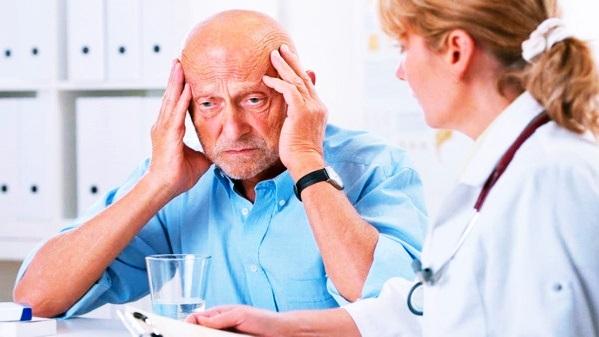 Старческая деменция: признаки и симптомы у женщин