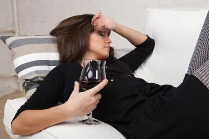 Почему ночью потеешь очень сильно мужчина