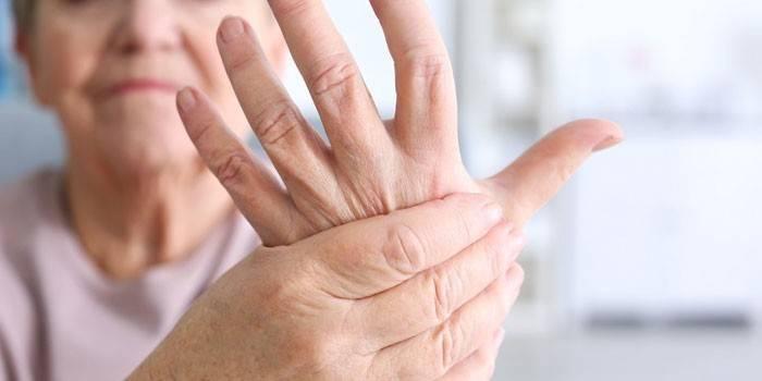 Почему немеют руки: причина и что делать. Онемение левой и правой руки по ночам
