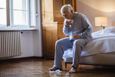 Кашель не дает уснуть - как успокоить кашель ночью в домашних условиях